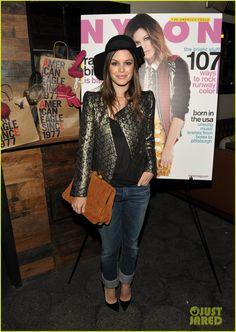 Rachel Bilson carried this Miu Miu Mattelassé Suede Clutch, wore a Vanessa Bruno blazer, The Row Sabeen T-shirt, GoldSign Jenny High Rise Slim Leg Jeans, and Christian Louboutin 'Pigalle' Pumps.