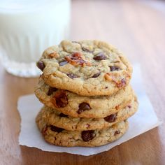Candied Bacon Chocolate Chip Cookies - The Girl Who Ate Everything DDDUUUUUDDEEEEE