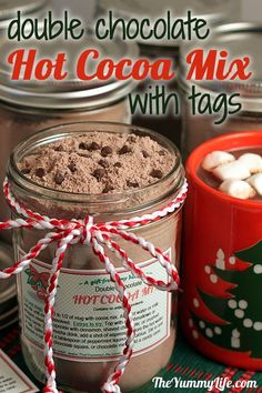 Double Chocolate Hot Cocoa Mix with gift tags. An easy mix that makes instant rich hot cocoa. Always a popular gift jar. from The Yummy Life Holiday Treats, Christmas Treats, Christmas Baking, Holiday Recipes, Diy Christmas, Holiday Gifts, Christmas Presents, Handmade Christmas, Mason Jar Meals