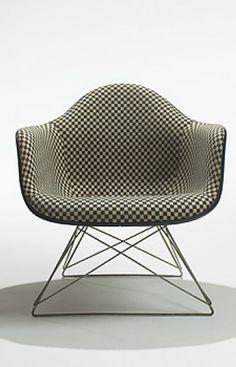 Charles + Ray Eames - LAR-1 Armchair for Herman Miller - 1950 #EAMES #eameschair