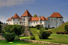 Varazdin Castle, Croatia via Panoramyx