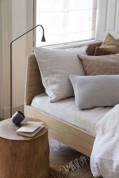 Home Interior Design .Home Interior Design Design Furniture, Decor Interior Design, Interior Decorating, Decorating Bedrooms, Interior Livingroom, Interior Modern, Interior Paint, Interior Ideas, Interior Inspiration