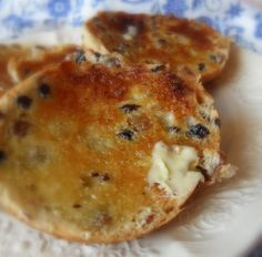 """The English Kitchen: Toasted Teacakes. When Bilbo brings out """"cakes"""" for tea, they are probably along these lines. English Teacakes, Cooking Bread, Cooking Recipes, Toasted Teacakes, Fruit Bread, English Kitchens, British Bake Off, Bread Bun, Bread Machine Recipes"""
