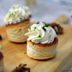 Volovanes de mousse de queso de cabra y manzana – Pratik Hızlı ve Kolay Yemek Tarifleri Vol Au Vent, Appetizers For Party, Appetizer Recipes, Aperitivos Finger Food, Mini Foods, Appetisers, Creative Food, Clean Eating Snacks, Finger Foods