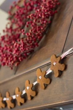 Cinnamon Applesauce Ornaments - so easy, 2 ingredients. You will love the way your house smells when you make these! Cinnamon Applesauce Ornaments - so easy, 2 ingredients. You will love the way your house smells when you make these! Diy Christmas Garland, Diy Christmas Decorations Easy, Christmas Projects, Winter Christmas, Holiday Crafts, Kitchen Decorations, Cinnamon Applesauce Ornaments, Applesauce Baking, Theme Noel