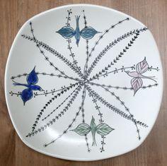 Vintage Stavangerflint handpainted plate designed by Inger Waage Norway Hand Painted Plates, Stavanger, Plate Design, Vintage Birds, Scandinavian Home, Norway, Vases, Mid-century Modern, Objects