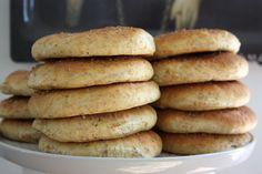 morotsbröd Ciabatta, Hot Dog Buns, Rolls, Cookies, Breakfast, Desserts, Recipes, Flat, Crack Crackers