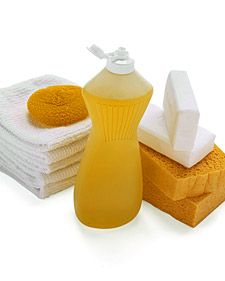 natural cleaners- A long list from Martha of homemade cleaning products Homemade Cleaning Products, Household Cleaning Supplies, Cleaning Recipes, Natural Cleaning Products, Household Products, Cleaning Items, Household Tips, Cleaning Checklist, Cleaning Kit