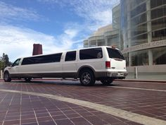 Cheap Concert limo service in Orange County CA, awesome concert limousine rental deals, reliable service and great rates, call #SerpentineLimo at 714.724.3321 or visit www.serpentinelimo.com for more details!
