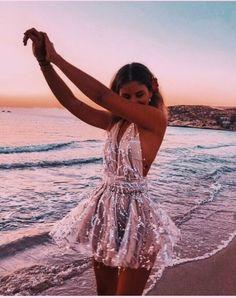 Pretty Prom Dresses, Hoco Dresses, Homecoming Dresses, Beautiful Dresses, Wedding Dresses, Mini Dresses, Dresses For Parties, Short Tight Prom Dresses, School Dance Dresses