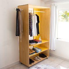 DIY - Closet    Confira o passo a passo completo em www.youtube.com/diycore