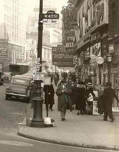 New York City, 1937 - West St holds a special place in my heart. Stayed in the Edison Hotel on this street on my first trip to the Big Apple. New York Pictures, Old Pictures, Old Photos, Vintage Photos, Vintage New York, New York City, Photo New York, Cities, Ville New York