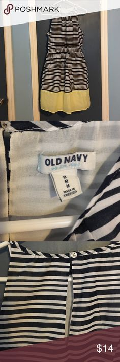 Striped Old Navy Summer Dress Blue and white, fully lined, lightweight dress with yellow trim. Keyhole opening in back with button closure. Elastic at the waist for a more flattering fit. 100% cotton. Old Navy Dresses Midi