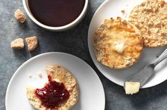 Crusty/chewy/tangy English muffins made with sourdough starter. just make a crumpet. Sourdough English Muffins, English Muffin Recipes, Sourdough Recipes, Flour Recipes, Sourdough Bread, Bread Recipes, Baking Recipes, Dough Ingredients, King Arthur Flour