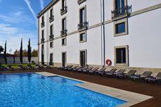 Das Pousada De Viseu ist in einem herrschaftlichen Gebäude aus dem 19.Jahrhundert in der Stadt Viseu untergebracht. Hotels Portugal, Spa, Restaurant, Mansions, House Styles, Outdoor Decor, Home, Manor Houses, Diner Restaurant