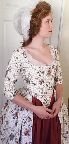 Cynthia from Redthreaded in her 1780s reproduction gown. She added the polka dots herself!