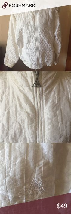 Vintage white puffer jacket Sz large Cool street style white vintage jacket front pockets zipper up elastic waist very good condition vintage Jackets & Coats Puffers
