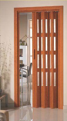 Puerta de apertura lateral con vidriera (cristal blanco translúcido)