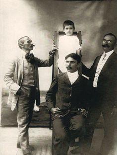 Augusto Malta e irmãos, 1906. Fotografia: Augusto Malta.