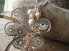 Kette filigrane Blume mit Perlen von chrissona auf DaWanda.com
