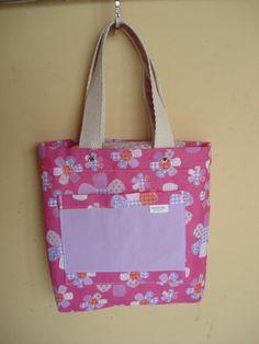 https://flic.kr/p/bo916Z | Tote Bag - Bolsa 0003 - D | Por dentro, bolso. Tote bag confeccionada em Lona e forrada com tecido 100% algodão . Pintada .  Medidas: 26x27x5 cm