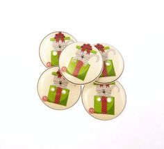 5 Christmas Cat Buttons for Sewing and Knitting. by buttonsbyrobin