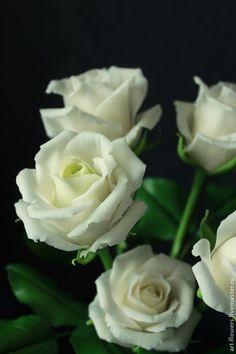 Купить или заказать Розовый пион с бутонами в интернет-магазине на Ярмарке Мастеров. Пион из полимерной глины тончайшей ручной работы. Пион - король цветов, символ достатка и благополучия. Тоненькие полупрозрачные лепестки, тщательно подобрынные цвета и оттенки, мельчайшая проработка деталей создают ощущение живого цветка. Станет прекрасным подарком на любое торжество. Украсит и дополнит любой, самый изыскан…