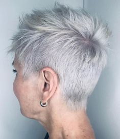 Short Bright Razored Pixie Over 50 Do you have the confidence to wear your fine hair in a cute super-short pixie cut? If you're a woman over 50 years old, Short Hairstyles For Thick Hair, Short Pixie Haircuts, Haircut For Thick Hair, Modern Hairstyles, Cool Hairstyles, Short Hair Styles, Japanese Hairstyles, Asian Hairstyles, Pixie Styles