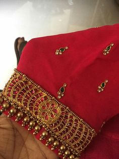Dress wedding purple navy blue new ideas Hand Work Blouse Design, Simple Blouse Designs, Stylish Blouse Design, Designer Blouse Patterns, Fancy Blouse Designs, Bridal Blouse Designs, Blouse Neck Designs, Sleeve Designs, Maggam Work Designs