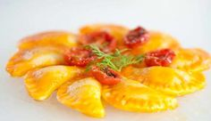 Gnocchi di patate ripieni di melanzane con salsa di pomodoro confit | Alice.tv