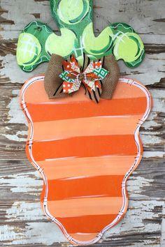 Easter Door Hanger - Personalized Door Hanger - Easter Decor - Easter Decorations - Bunny Door Hanger - Easter Sign - Spring Door Hanger Get ready for Easter with this adorable carrot door hanger. Cute and funky Easter decor. Painted Doors, Wooden Doors, Easter Crafts, Easter Decor, Easter Centerpiece, Bunny Crafts, Easter Table, Easter Party, Easter Gift