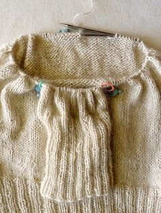 From the Purl Bee: instructions for seamless set-in sleeve bottom up.