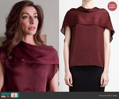 Delia's burgundy draped neck blouse on Girlfriends Guide to Divorce.  Outfit Details: http://wornontv.net/45426/ #GG2D