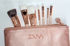 Oh my goodness! Zoeva are having another rose gold moment and it is absolutely beautiful. Time to get excited forZoeva Rose Golden Vol 2 Luxury Brush Set