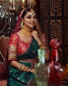bengali bride makeup style WEDDING ERA on Instagra - makeup Indian Bridal Photos, Indian Wedding Gowns, Indian Wedding Fashion, Indian Bridal Outfits, Indian Bridal Lehenga, Bridal Pictures, Bengali Bridal Makeup, Bridal Makeup Looks, Bridal Looks