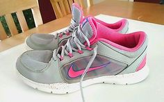 Women's NIKE FLEX TRAINER 4 Running Shoes Size 11 643083-006 Gray and Pink