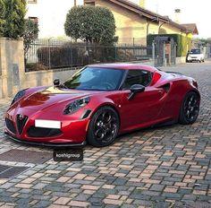 Alfa 4c, Caterham Seven, Alfa Romeo Gta, Mid Size Car, British Sports Cars, Ferrari F40, Pontiac Firebird, Motor Car, Motor Vehicle