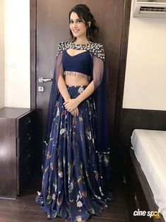 Rashi Khanna New Glam Photoshoot Stills Choli Designs, Blouse Designs, Blouse Patterns, Indian Attire, Indian Wear, Indian Dresses, Indian Outfits, Glam Photoshoot, Blue Lehenga
