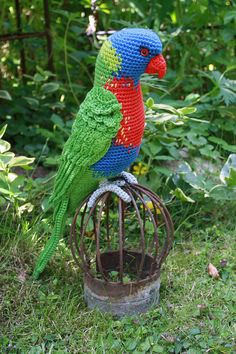 Amigurumi crochet parrot models are waiting for you. We offer the descriptions of all beautiful amigurumi parrot models. Crochet Parrot, Crochet Birds, Crochet Animals, Crocheted Owls, Crochet Amigurumi, Amigurumi Patterns, Crochet Toys, Crochet Patterns, Bird Patterns