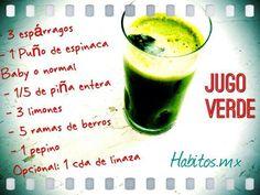 Jugo verde: espárragos, espinacas, piña, limones, berros y pepino