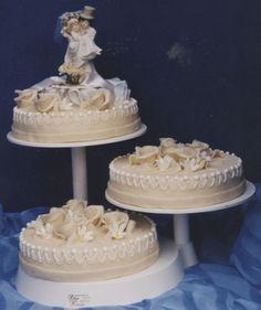 Afbeeldingsresultaat voor bruidstaart rode rozen
