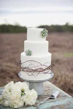 Rustic Green White Barn Fall Flowers Round Spring Summer Vineyard Wedding Cake Winter Wedding Cakes Photos & Pictures - WeddingWire.com