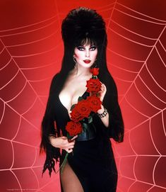 Elvira and roses🖤🌹 🥀 Classic Actresses, Hollywood Actresses, Goth Beauty, Fashion Beauty, Elvira Movies, Frankenstein Art, Cassandra Peterson, Horror Movie Characters, Dark Pictures