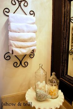 small wine rack for hand towels