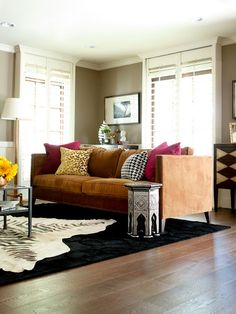 Noelle Wright's living room.  Love the paint color: Bennington Beige by Benjamin Moore