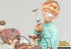 Crazy Dentist Warren Stratford  Warren Stratford is the world's best loved comic artist and sculptor. Warren Stratford poly resin figurines are sold in over 40 countries and loved by millions of avid fans. Warren Stratford figurines are collectable. www.Warren-Stratford.com