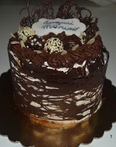 Compleanno Marino - Chiffon cake con crema al limoncello, decorazione con ganache al cioccolato e tartufi al rum
