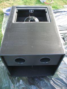 Car Speaker Box, Dj Speakers, Speaker Box Design, Speaker Plans, Audio Amplifier, Diy Subwoofer, Subwoofer Box Design, Sub Box Design, Car Audio