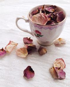 La tasse Moretta est parfaite pour savourer vos cafés  #boutique1861 #shabbychic #roses #vscoflowers #thatsdarling