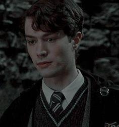 Estilo Harry Potter, Harry Potter Toms, Mundo Harry Potter, Harry Potter Pictures, Harry Potter Cast, Harry Potter Characters, Lord Voldemort, Hogwarts, Young Tom Riddle